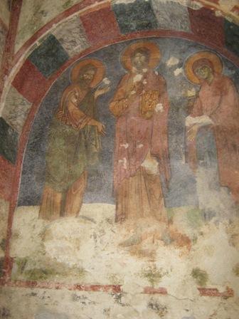 Древние фрески в храме