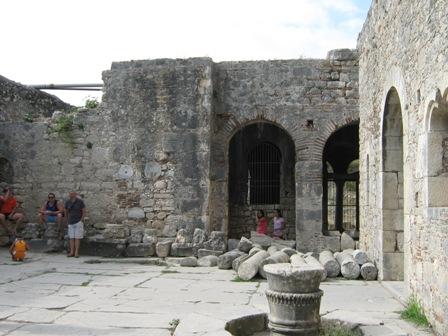Храм св. Николая Чудотворца. Внутренний двор