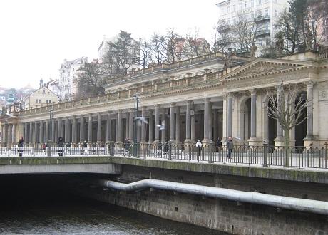 Млынская колоннада. Целебные источники
