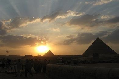 Великие пирамиды на плато Гиза