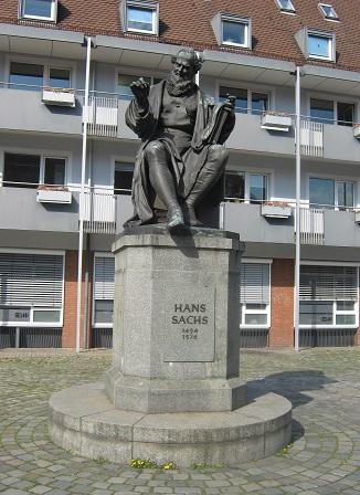 Нюрнберг. Памятник Гансу Саксу