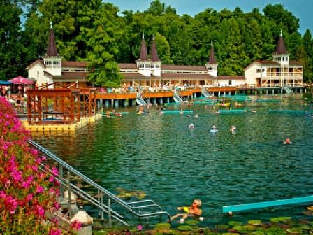 Озеро Хевиз в Венгрии